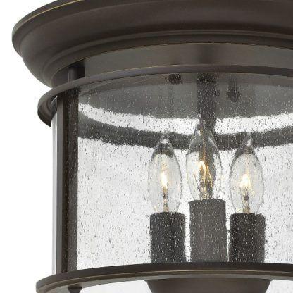 brązowa lampa ze szklanym kloszem klasyczna