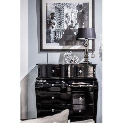 srebrna lampa z czarnym abażurem glamour aranżacja