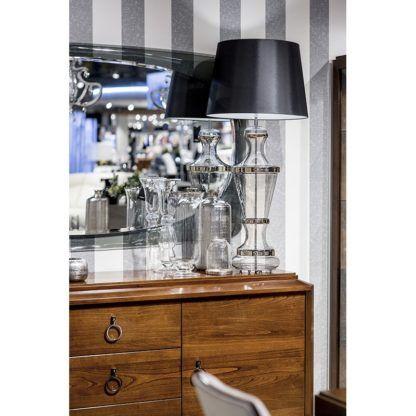 szklana lampa stołowa aranżacja