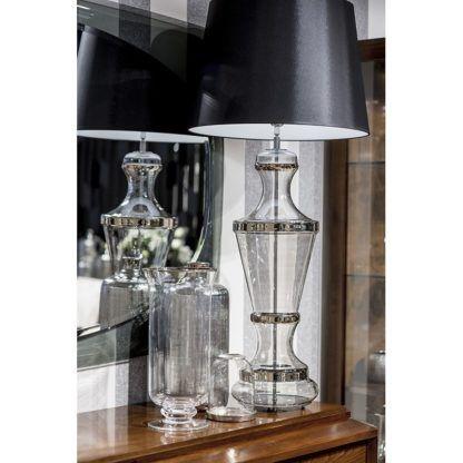 klasyczna lampa stołowa aranżacja