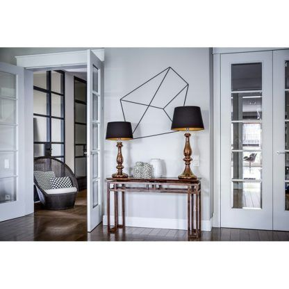 wysoka lampa stołowa z abażurem, modern classic