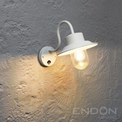 biała lampa ścienna czujnik ruchu