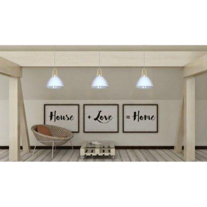 biała lamp wisząca drewniane detale