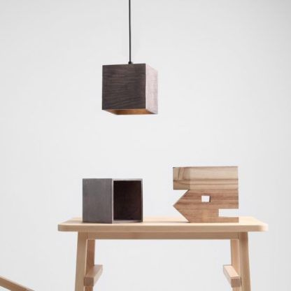 oświetlenie punktowe drewniana lampa