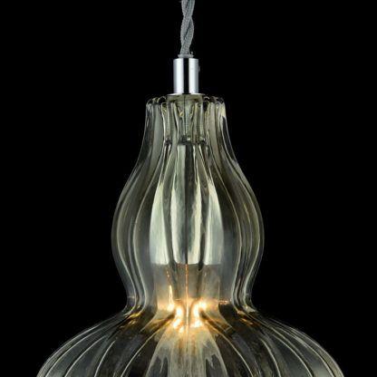 szklana lampa wisząca klasyczna