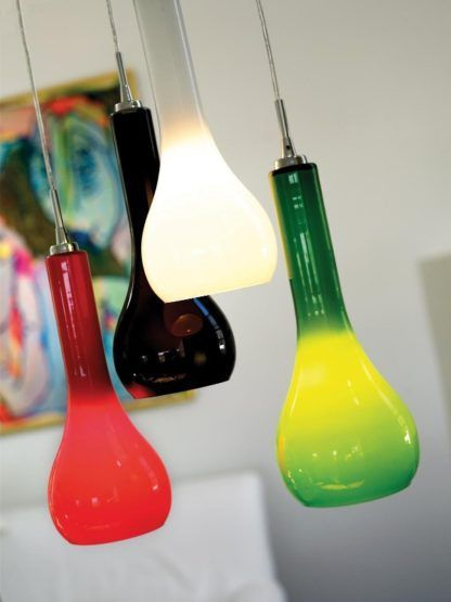 lampy wiszące z kolorowego szkła