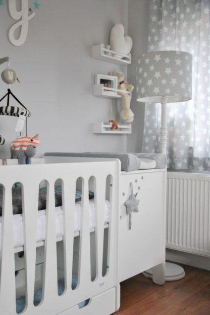 szara lampa podłogowa w gwiazdki pokój dziecka