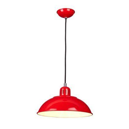 czerwona lampa wisząca retro