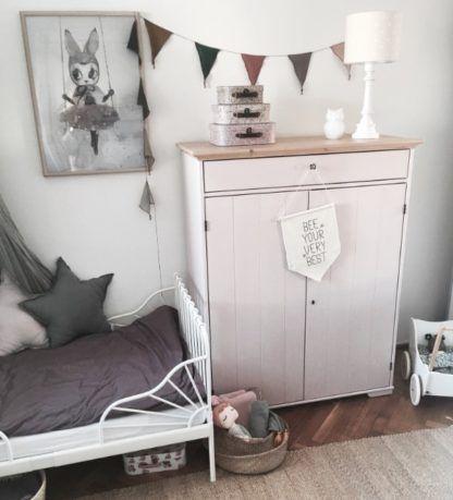 beżowy pokój dziecka oświetlenie