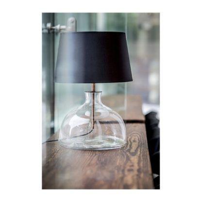 bezbarwna lampa stołowa ze szkła