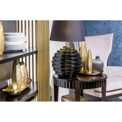 czarna lampa stołowa luksusowy salon