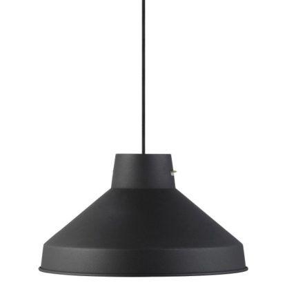 metalowa czarna lampa wisząca nad stół