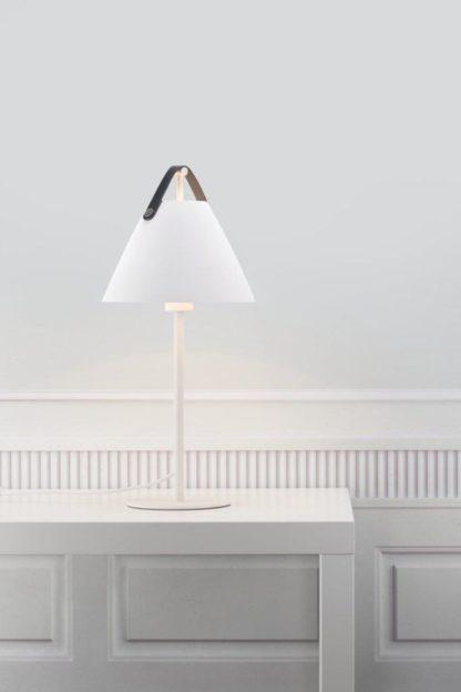 biała lampa stołowa skandynawska