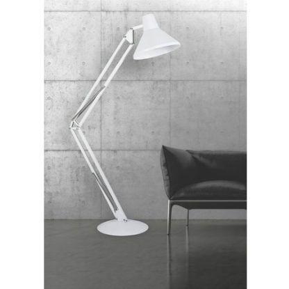 nowoczesna lampa podłogowa biała aranżacja