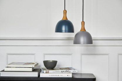 metalowe drewniane lampy wisząca aranżacja salon