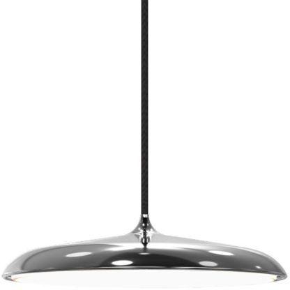srebrna lampa wisząca nad stół do jadalni