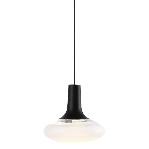 owalna szklana lampa nad stołem aranżacja