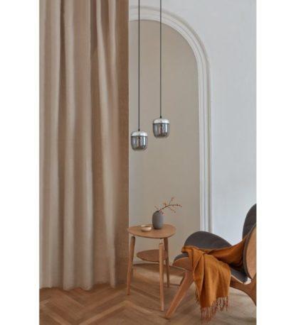 srebrna lampa wisząca mały klosz salon