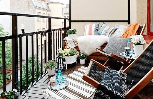 oświetlenie i piękny projekt balkonu