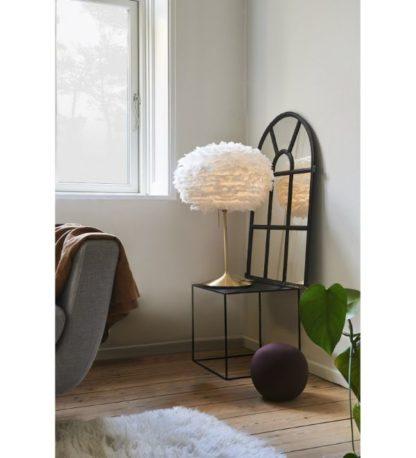 złota lampa stołowa do salonu aranżacja
