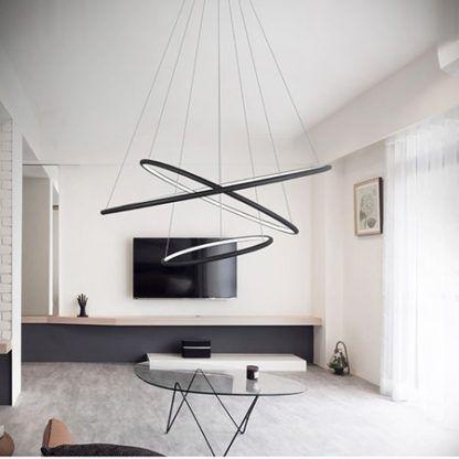 czarna lampa wisząca ringi LED salon