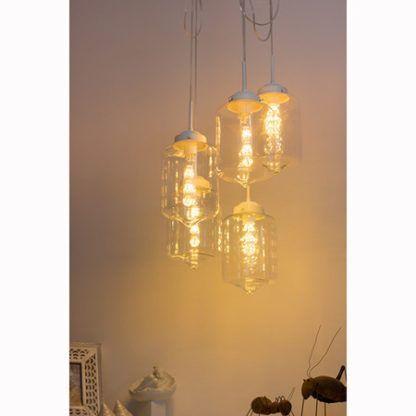 szklana lampa wisząca białe zawieszenie