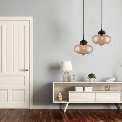 szklana lampa wisząca do salonu aranżacja