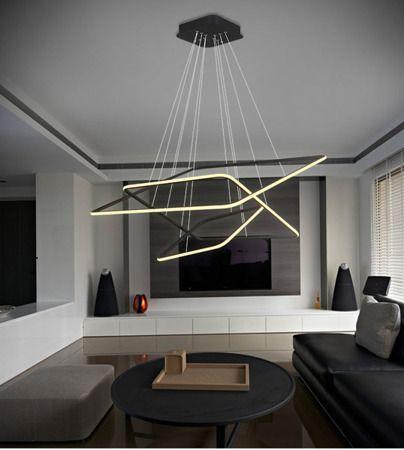 czarna lampa wisząca led aranżacja salon