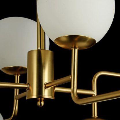 złota lampa białe klosze ze szkła