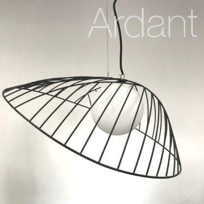 elegancka lampa druciana do salonu