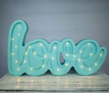 Lampa z napisem LOVE miętowa - LED