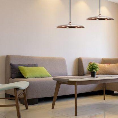 płaskie lampy wiszące do salonu
