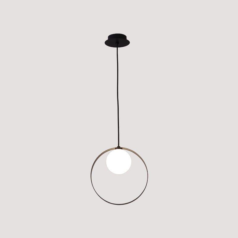 lampa z czarnym kołem