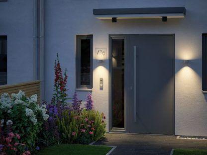 srebrny kinkiet oświetlenie domu
