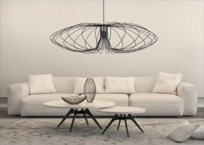 owalna lampa wisząca z drutu czarna salon