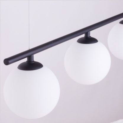 lampa podłużna z kulami