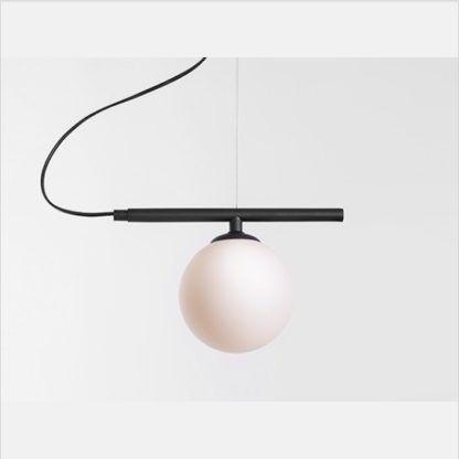 lampa wisząca z biłą kulą