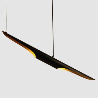 Pozioma czarna lampa wisząca Black Tube ze złotym środkiem