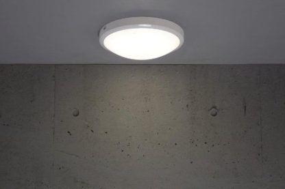 biały plafon nowoczesny
