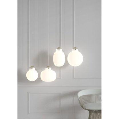 lampa wisząca z białego szkła
