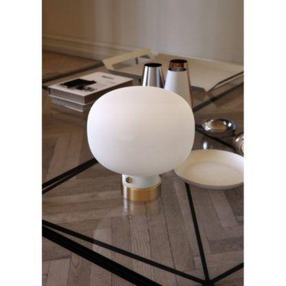 nowoczesna lampa stołowa szklana