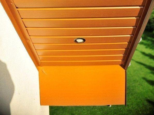 oświetlenie dachu w podbitce - oczka