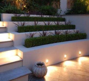 podświetlenie donic betonowych w ogrodzie