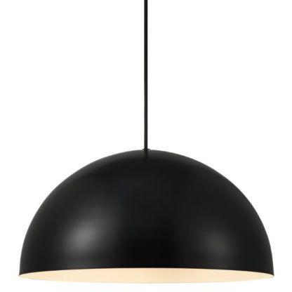 czarna lampa wisząca półkula