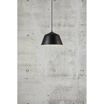 metalowa lampa wisząca duży klosz