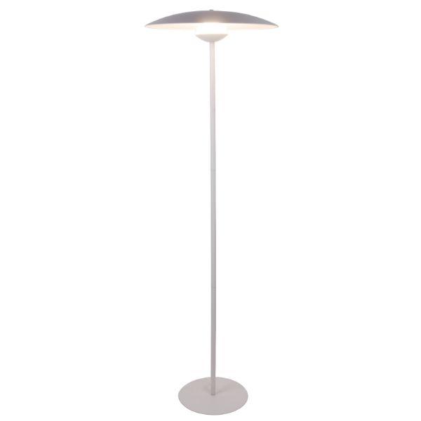 biała lampa podłogowa szeroki klosz