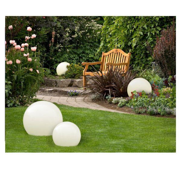 biała kula lampa ogrodowa