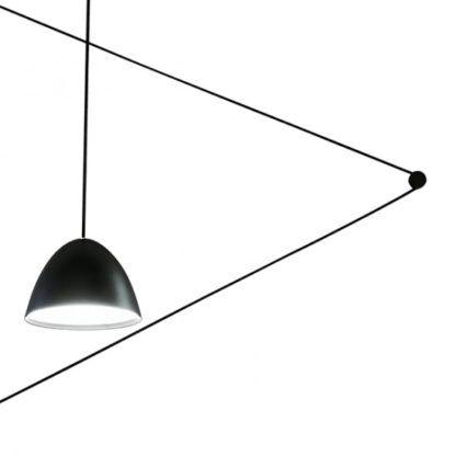 stożkowa lampa z długim kablem