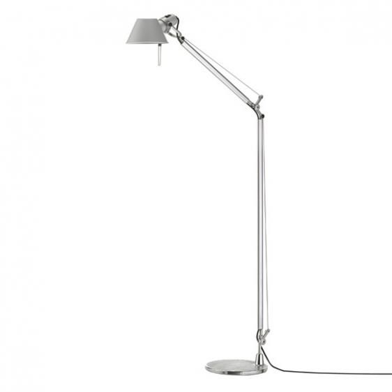srebrna lampa podłogowa