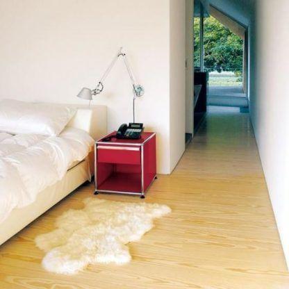 regulowany kinkiet do sypialni